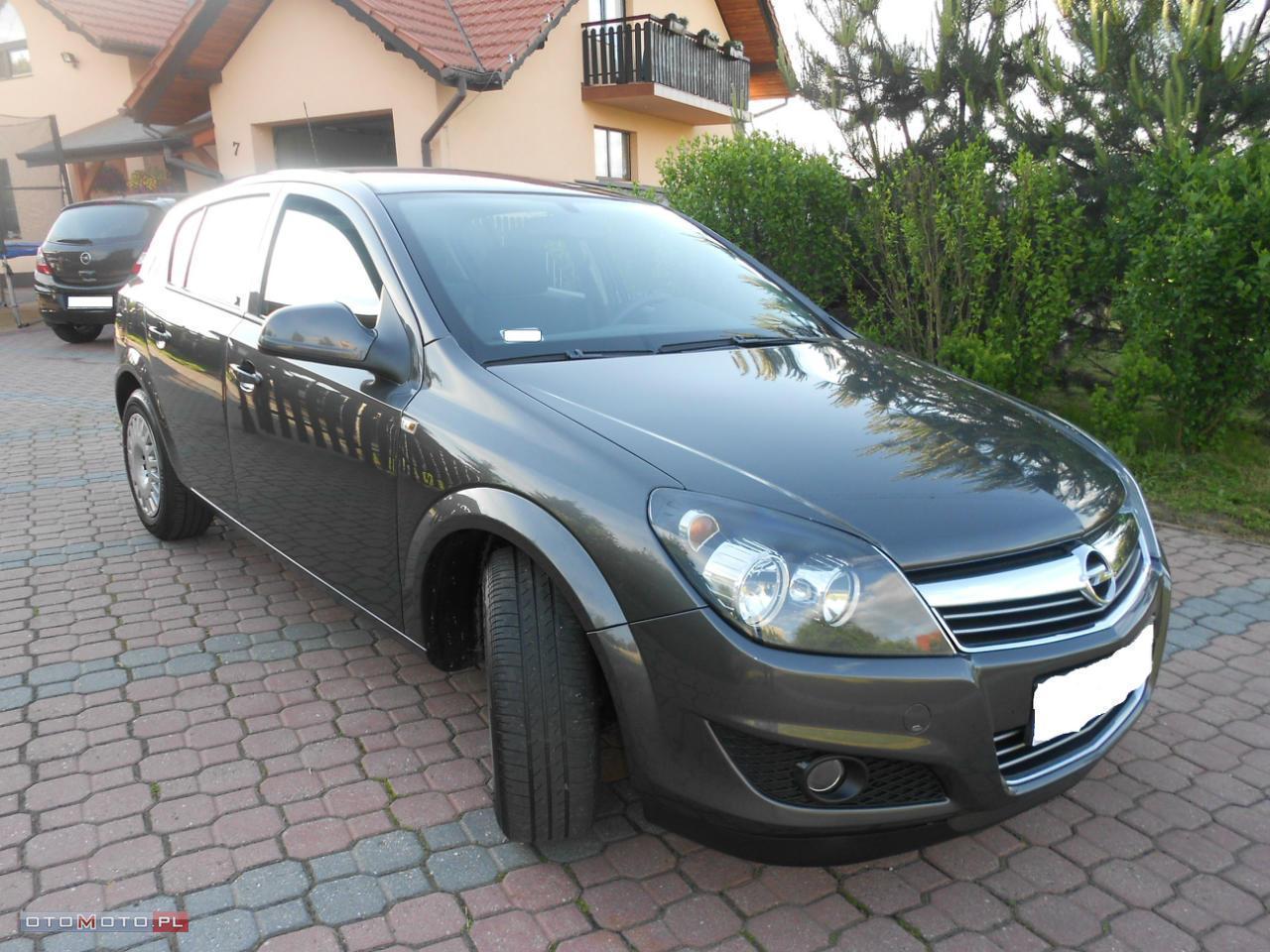 Opel Astra 1.7 CDTI 110 COSMO SALON PL
