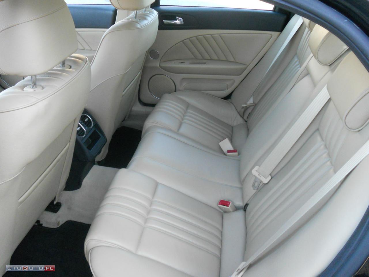 Alfa Romeo 159 Jasna skóra