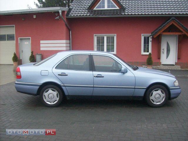 Mercedes-Benz C 180 SUPER STAN ZERO RDZY KLIMA