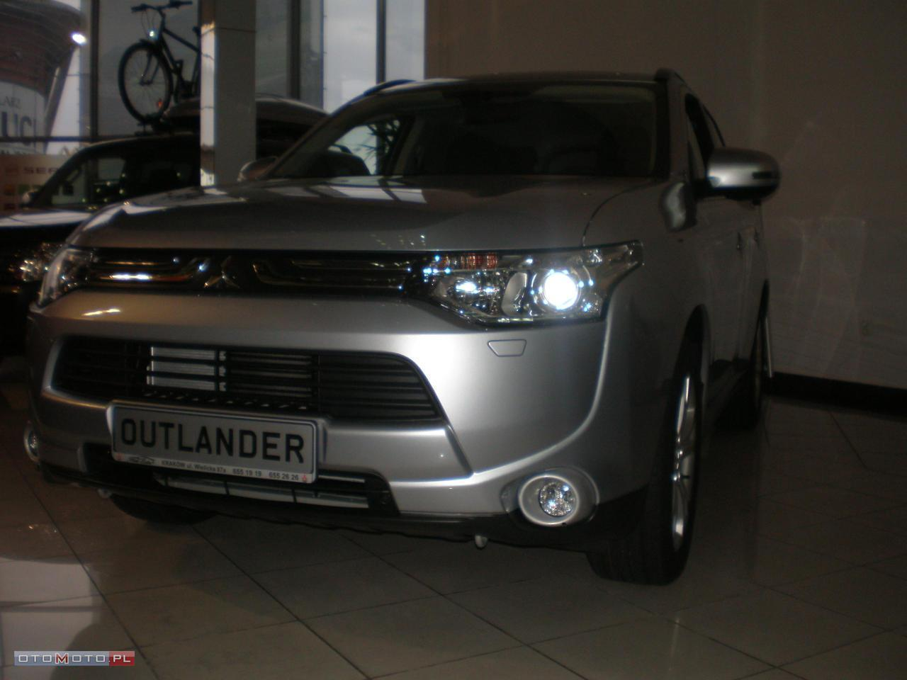 Mitsubishi Outlander 2.2 DIESEL INSTYLE NAVI 4WD AT