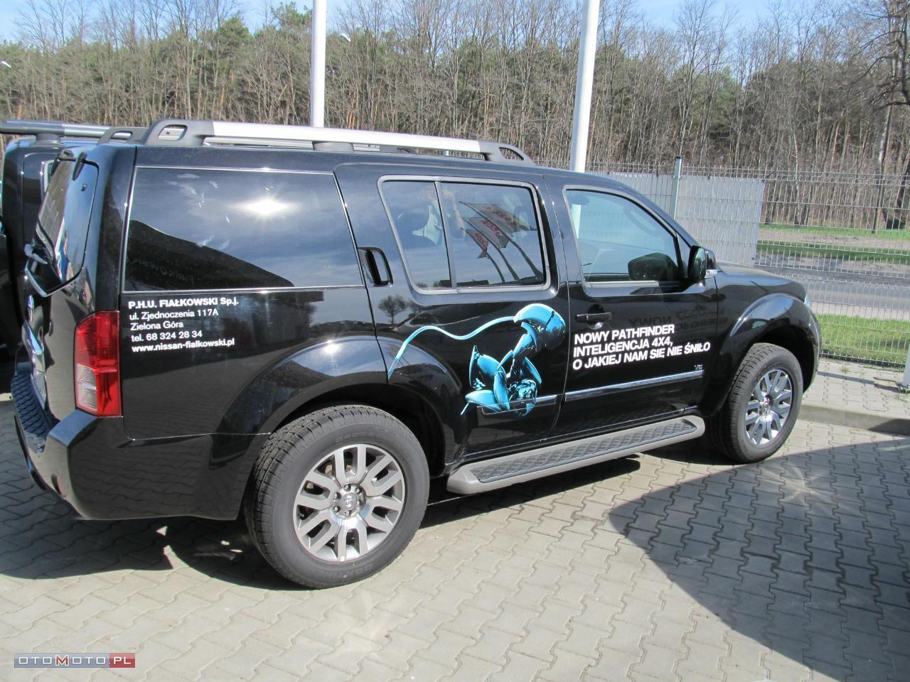 Nissan Pathfinder LE V6 DEMONSTRACYJNY