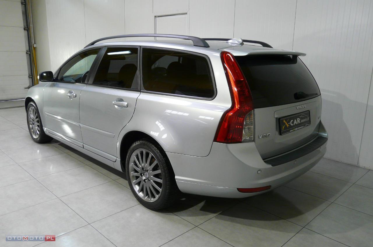 Volvo V50 2.0D-136KM-MOMENTUM-SKÓRA-17
